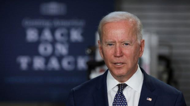 Biden appelliert an Bürger: Bitte kein Benzin horten