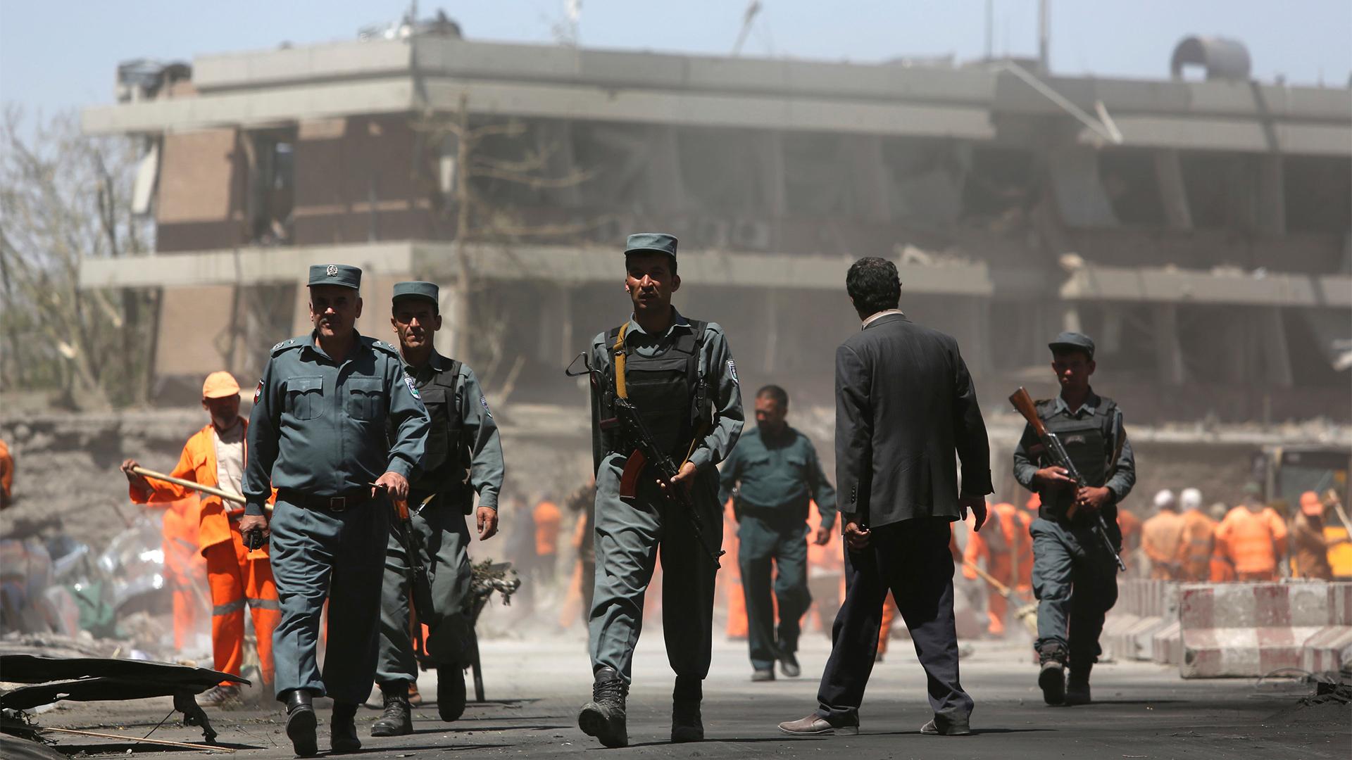 Die zerstörte Botschaft in Kabul | Bildquelle: AP