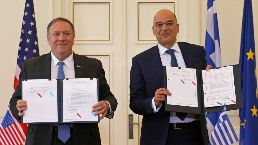 US-Außenminister Pompeo und sein griechischer Amtskollege Dendias   Bildquelle: ORESTIS PANAGIOTOU/EPA-EFE/REX