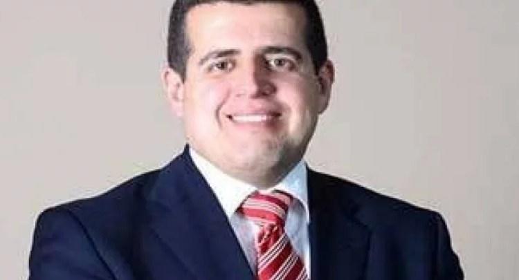 قرار مفاجئ بإعفاء مدير بنك الخرطوم وتعيين خلفاً له
