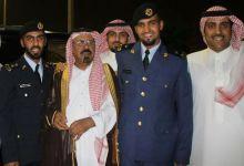 Photo of الشيخ محمد بن بتلا يحتفل بتخرج أبنائه الضباط.