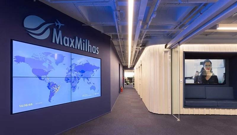 Entrada do escritório da MaxMilhas