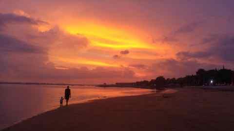 Saulėlydis Sanure, Bali