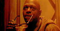 Charles Dutton leads the criminal element on Fury in 'Alien 3'