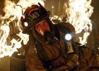 Joaquin Phoenix fights fires in 'Ladder 49'