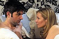 Adam Scott and Jennifer Westfeldt co-star in 'Friends with Kids'