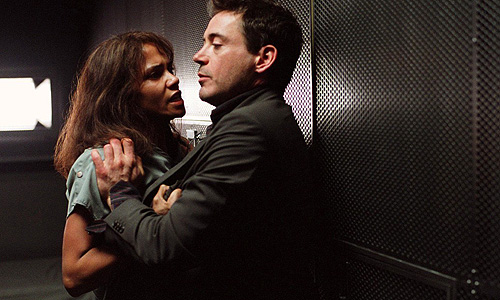 Halle Berry and Robert Downey Jr. in 'Gothika'