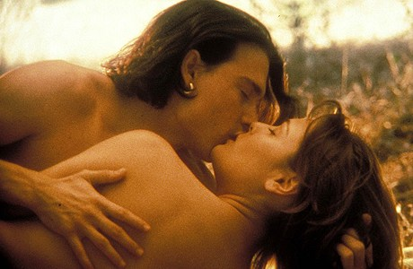 Johnny Depp has a way with the ladies in 'Don Juan DeMarco'