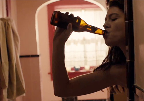 Mary Elizabeth Winstead drinks too much in 'Smashed'