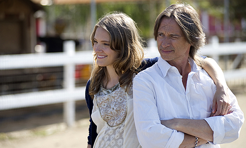 Robert Carlyle and Alexia Rasmussen star in 'California Solo'