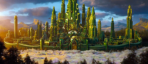 Emerald City in all its glory in 'Oz: The Great and Powerful'