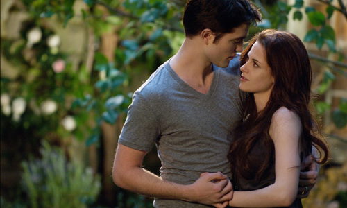 Robert Pattinson and Kristen Stewart are still in love in 'Twilight: Breaking Dawn Part 2'