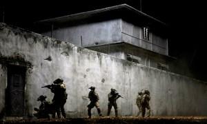 Navy SEALS raid Osama bin Laden's compound in 'Zero Dark Thirty'