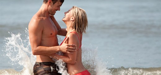 Josh Duhamel and Julianne Hough in 'Safe Haven'