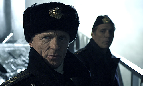 Ed Harris and William Fichtner on the sub dock in 'Phantom'