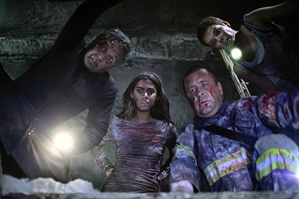 Andrea Osvart, Nicolas Martinez, Natasha Yarovenko and Lorenza Izzo in 'Aftershock'