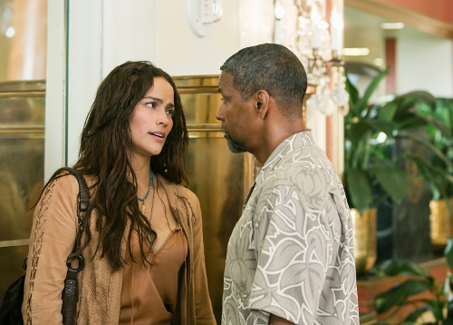 Paula Patton is Denzel Washington's control officer and lover in '2 Guns'