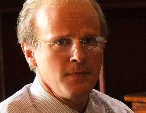 Cary Elwes is E. Pierce Marshall, the son of the millionaire who married Anna Nicole Smith