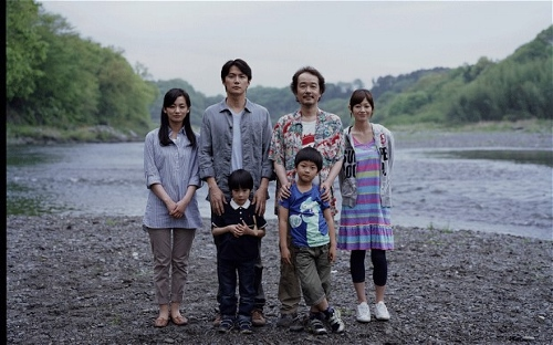 The two families caught up in the drama of 'Like Father, Like Son'