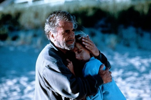 Maximilian Schell and Tea Leoni in 'Deep Impact'