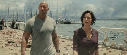 Dwayne Johnson and Carla Gugino in 'San Andreas'