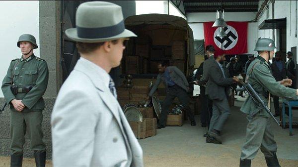 Brad Pitt in 'Allied'