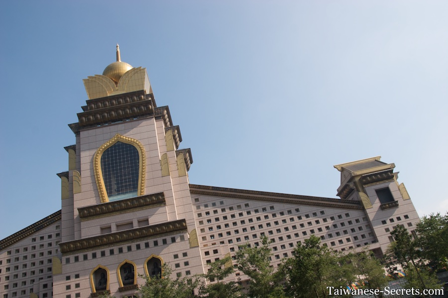 Chung Tai Chan Monastery, puli