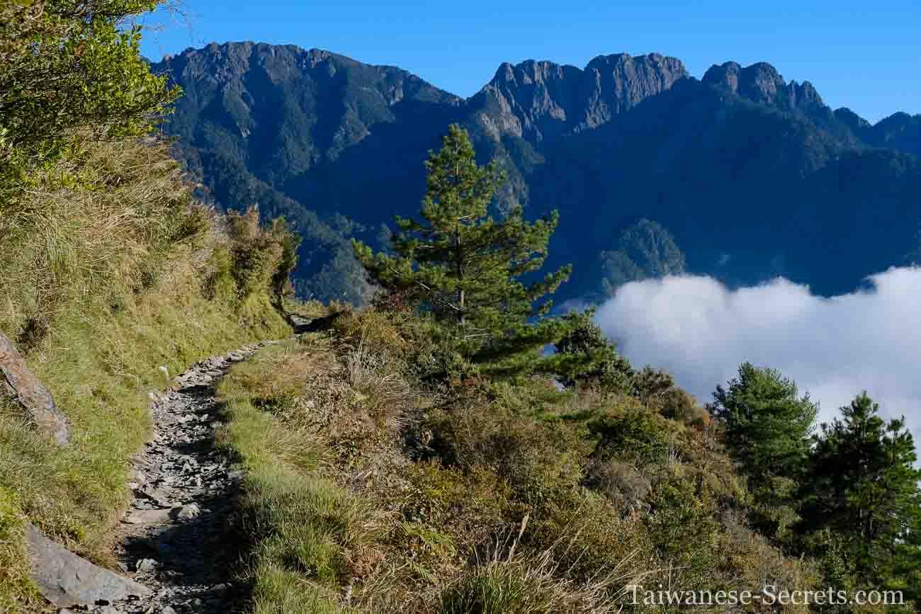 hiking yushan southwest route