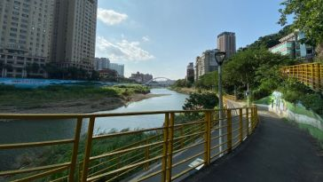 Jingmei River bicycle ride