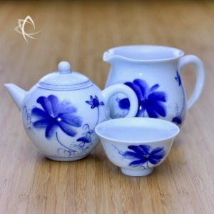 Blue Lotus Mingyue Gongfu Teapot Tea Pitcher and Cup Other View