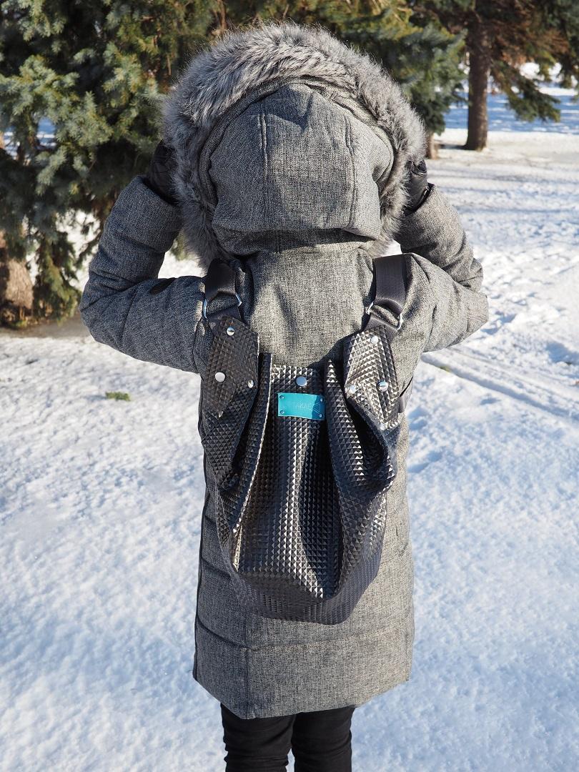 sac à dos noir vegan black vegan backpack leather cuir Montreal ecoresponsable