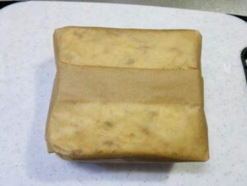 クッキングシートで包んだサンドウィッチ
