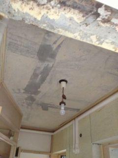砂吹き天井掻き落としました