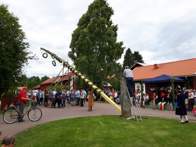 Midzomerfeest in Mora, de meipaal