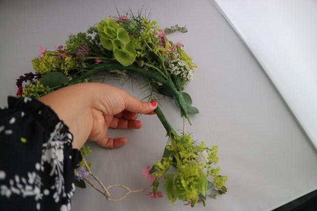 Creating a flower crown tutorial