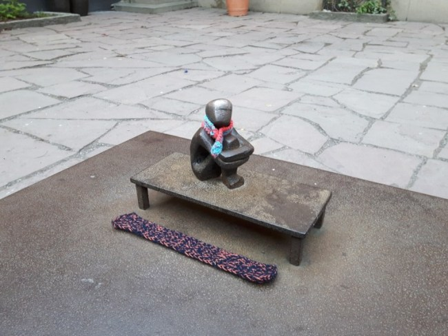 Järnpojken, the smallest statue of Stockholm