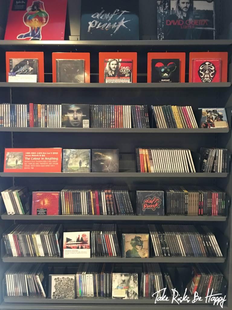 vinyl plastic cds seoul itaewon