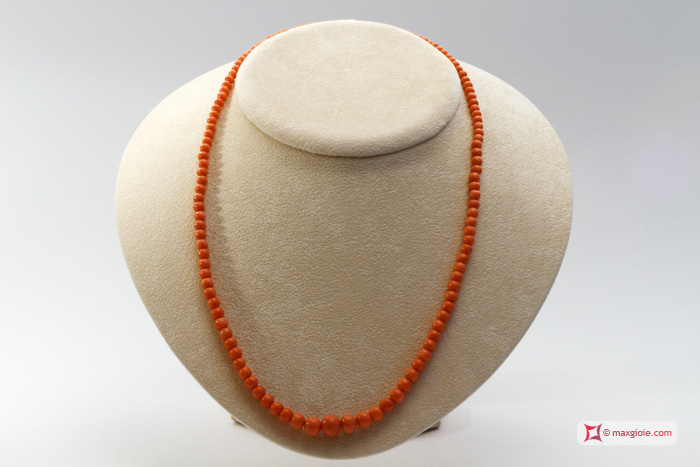 Extra Sciacca Coral Necklace round 9-3½mm graduated in Gold 18K