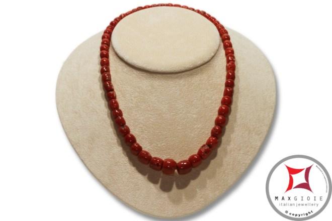 Mediterranean Red Coral Necklace barrel 5-11mm graduated in Gold 18K