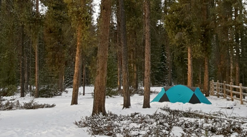 Winter camping is just one of the fun family activities for Jasper National Park in the winter.