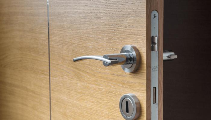 college-dorm-hack & College Dorm Hack: Leave Your Door Open - Take Your Success