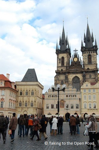 3-days-in-prague-tyn-church-takingtotheopenroad-peggytee