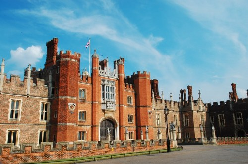 Day trip from London Hampton Court