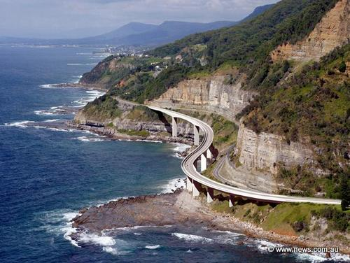 sydney road trips seacliff bridge grand pacific drive taking to the open road peggy tee news