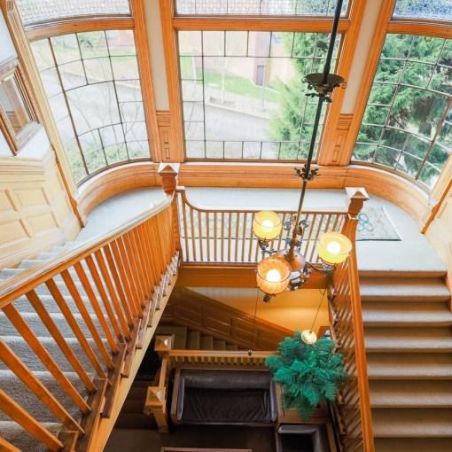 Gig Harbor real estate photographer by Taku Homes