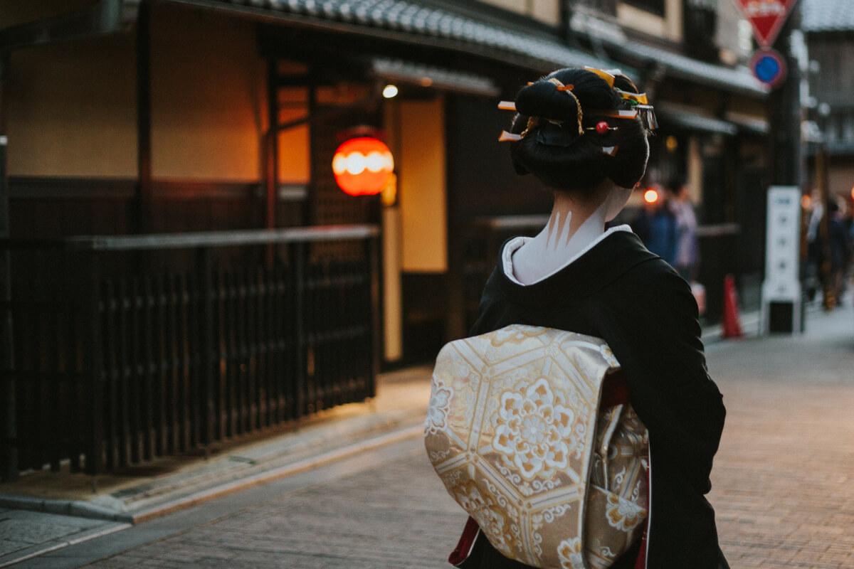 TAKUMI lifestyle - Geisha © Jie