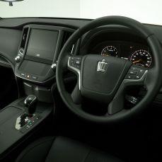 Gran-Turismo-Sport-Toyota-Crown-Athlete-G-Safety-Car-001