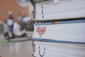 books-heart-love-markers-school-Favim.com-218235