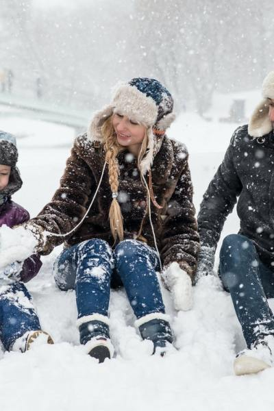 When the Snowflakes Fall: 7 Fun Winter Activities for the Entire Family