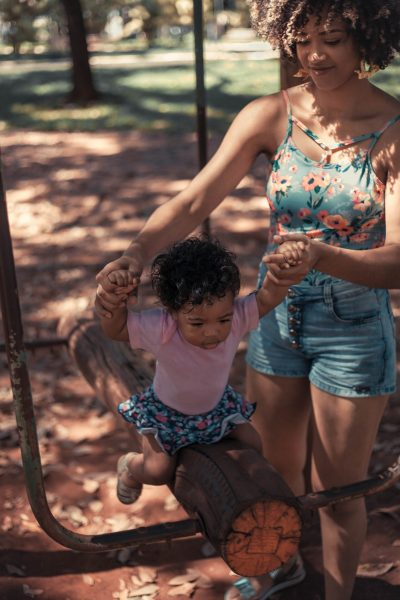 The Struggle: 5 Things to Keep in Mind About Single Mothers Living in Poverty